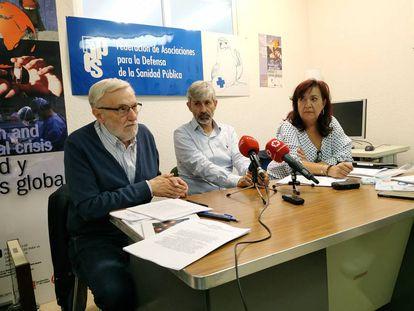 Desde la izquierda, Marciano Sánchez Bayle (FADSP), Óscar Díaz (UGT Madrid) y Rosa Cuadrado (CCOO Madrid).