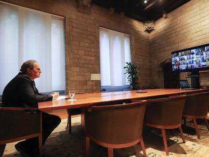 El presidente de la Generalitat, Quim Torra, sigue por videoconferencia el consejo ejecutivo del pasado domingo.