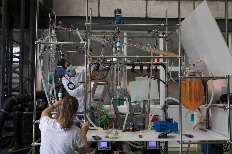 Investigadores del Centro Nacional de Investigaciones Metalúrgicas CENIM-CSIC.