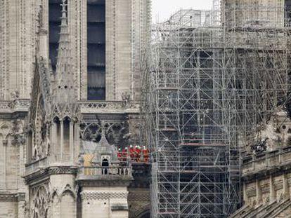La Fiscalía de París confirma que no hay señales de que las llamas fueran intencionadas