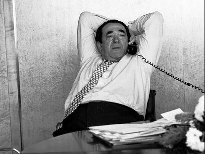 Robert Maxwell en su despacho en una imagen tomada en 1987.