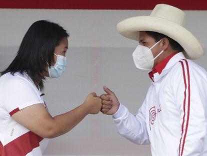 Los candidatos presidenciales de Perú, Keiko Fujimori y Pedro Castillo, en una imagen de mayo de 2021.