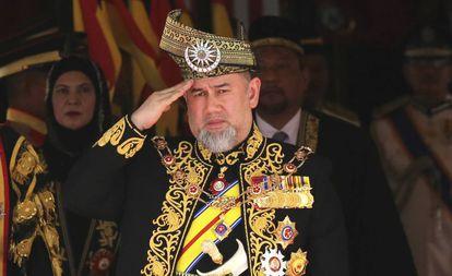 El anterior rey malasio, Mohamed V, durante la ceremonia inaugural del parlamento en Kuala Lumpur, el pasado julio.