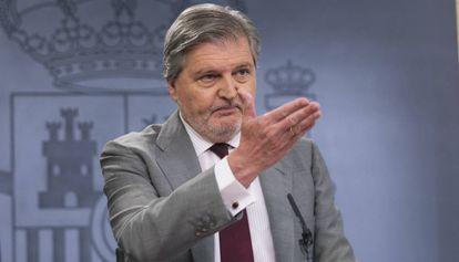 El portavoz Iñigo Mendez de Vigo, ayer, durante la rueda de prensa tras el Consejo de Ministros