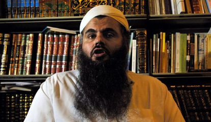 Abu Qutada, en una imagen de 2001.