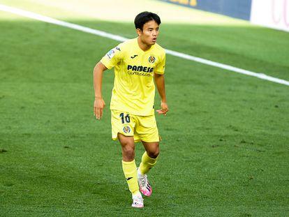 Takefusa Kubo durante un partido del Villarreal.