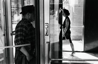 Una imagen de Lee Friedlander, Nueva York, 1963.