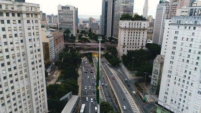 Vista de una avenida en Vale do Anhangabaú, en Sao Paulo.