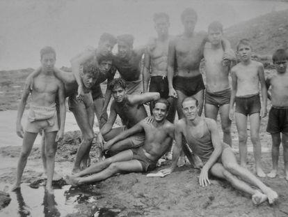 Grupo de jóvenes en Punta Hidalgo