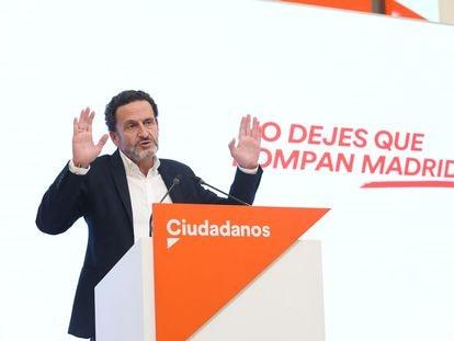 El candidato de Ciudadanos, Edmundo Bal, durante una rueda de prensa este lunes.