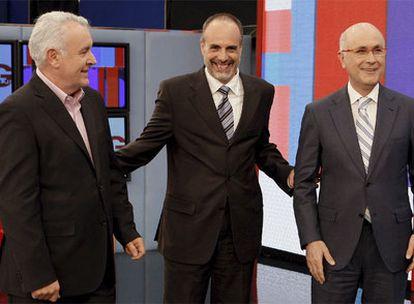 De izquierda a derecha, Cayo Lara (IU), Joan Ridao (ERC) y Josep Antoni Duran (CiU), en el plató de TVE.
