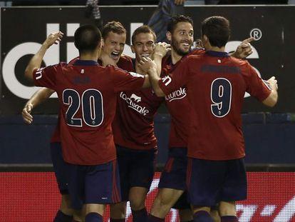 Oriol Riera celebra su gol al Elche