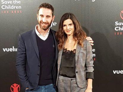 Dani Rovira y Clara Lago, en un envento de Save the Children.