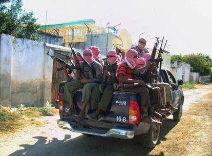 Un grupo de rebeldes islamistas han anunciado en Mogadiscio que seguirán luchando a pesar del alto al fuego logrado por el Gobierno etíope y la ONU