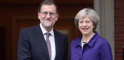Mariano Rajoy y Theresa May en octubre de 2016 en La Moncloa.