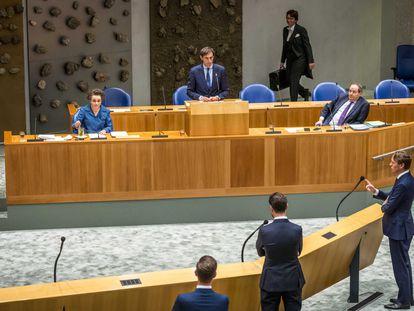 El ministro de Finanzas interino holandés, Wopke Hoekstra, comparece en el Congreso la semana pasada en La Haya.