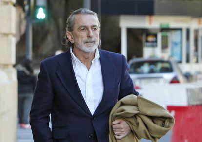 El cabecilla de la trama Gürtel, Francisco Correa, a su llegada al Tribunal Superior de Justicia valenciano en febrero de 2017.