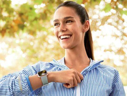 Fitbit Versa, un 'smartwatch' que monitoriza el ciclo menstrual
