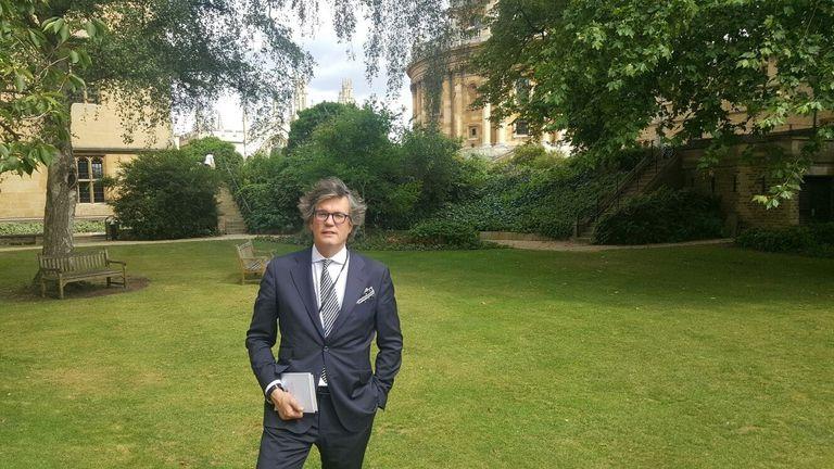 Bruno García-Dobarco, en julio de 2017, en el jardín de Exeter College Fellow's de Oxford.