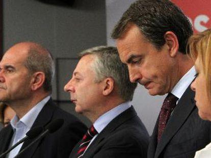 Zapatero, en su comparecencia apenas tres horas después del cierre de las urnas.