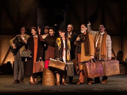 El reparto completo de  'El viaje a ninguna parte',  en el Teatro Fernán Gómez Centro Cultural de la Villa.