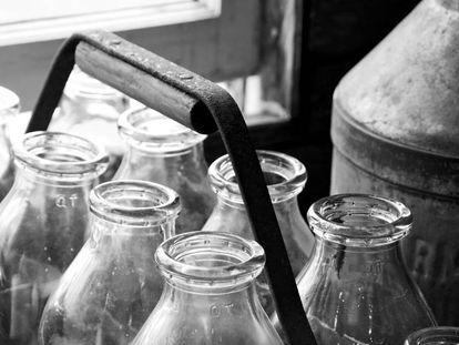 Vuelven las botellas de vidrio para la leche: envase sostenible y reciclable donde los haya