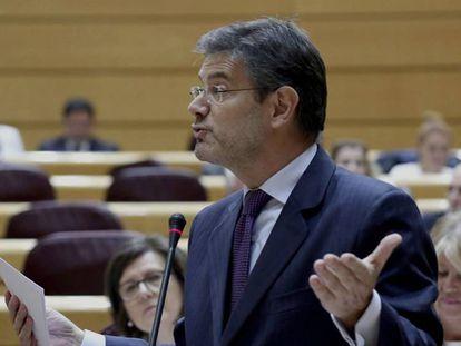 El ministro de Justicia, Rafael Catalá, durante su intervención en una sesión de control del Pleno del Senado.