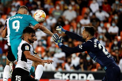 Benzema marca el gol del triunfo del Madrid.