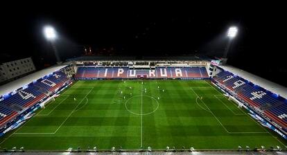 Ipurua, sin público, en el pasado Eibar-Real Sociedad.