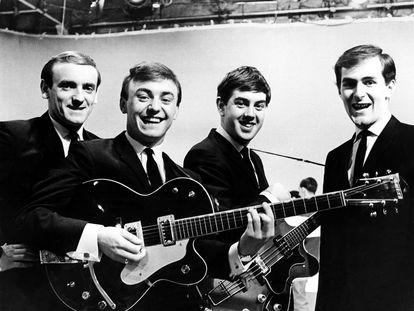 Gerry Marsden, segundo por la izquierda, con los Peacemakers en una imagen de 1963.