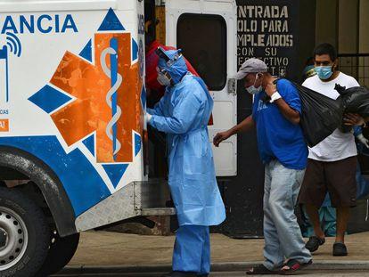 Enfermos de coronavirus en Honduras. (Photo by ORLANDO SIERRA / AFP)