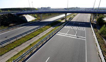Imágen de una autopista radial madrileña.