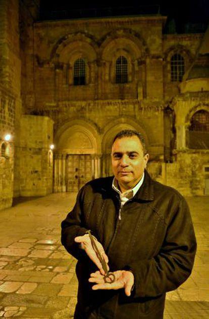 Joudeh, custodio de la llave que abre el Santo Sepulcro de Jerusalén.