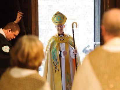 Justin Welby a su entrada a a la catedral de Canterbury, en el sur de Englaterra.