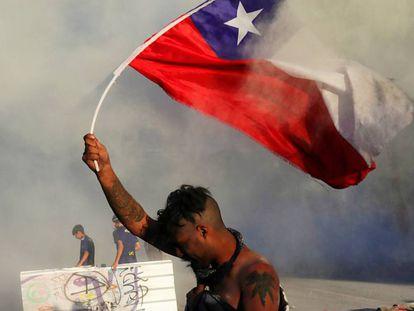 Un manifestante en Santiago de Chile el pasado 9 de noviembre.