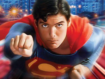 Christopher Reeve en 'Superman' (1978), de Richard Donner, y con música de John Williams.