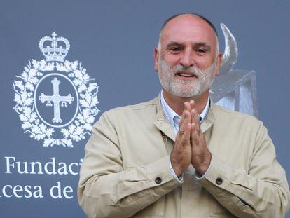 El cocinero José Andrés, este martes a su llegada a Oviedo, donde el viernes recibirá el Premio Princesa de Asturias de la Concordia 2021.