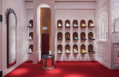 Un rincón de la tienda barcelonesa de Christian Louboutin.