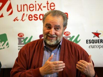 El exlíder de IU Julio Anguita, en un acto en Valencia en 2006. JORDI VICENT