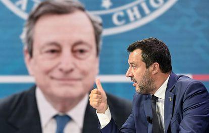 Matteo Salvini este martes en un programa de la televisión italiana