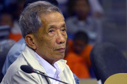 Kaing Guek Eav durante el juicio al que fue sometido en Phnom Penh en 2012.