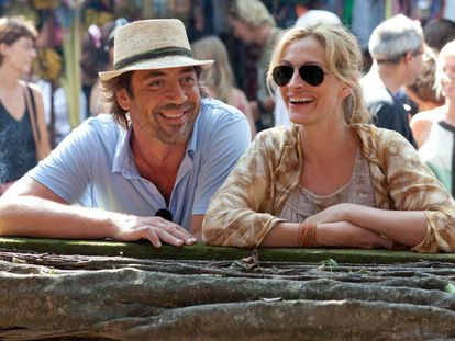 Javier Bardem y Julia Roberts, en un fotograma de la película 'Come, reza, ama'.