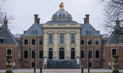 Los exteriores del palacio Huis ten Bosch de los reyes de Holanda.