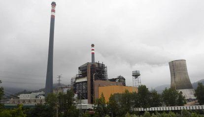 Central térmica de carbón de Soto de Ribera, en Asturias.