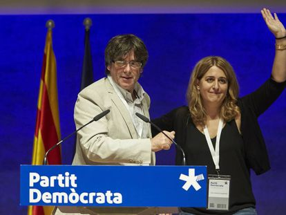Carles Puigdemont y Marta Pascal.