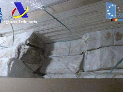 Carga de cocaína requisada en el Puerto de Algeciras.