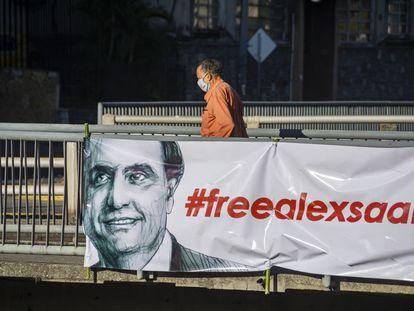 Una pancarta a favor de la liberación de Alex Saab, detenido en Cabo Verde y pedido en extradición por Estados Unidos, en Caracas.