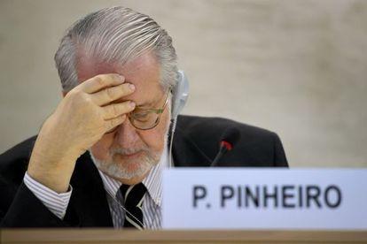 Paulo Pinheiro, quien preside la comisión de investigación sobre Siria de la ONU, al presentar su informe.