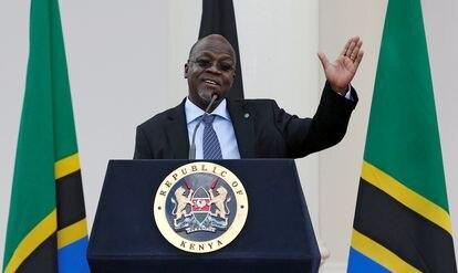 El presidente tanzano, John Magufuli, durante una visita oficial a Nairobi (Kenia) en 2016.