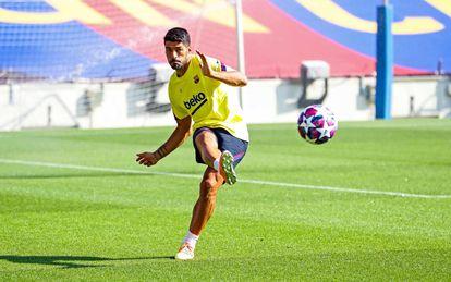 Luis Suárez, este domingo en el entrenamiento el Barcelona en la Ciudad Deportiva Joan Gamper.